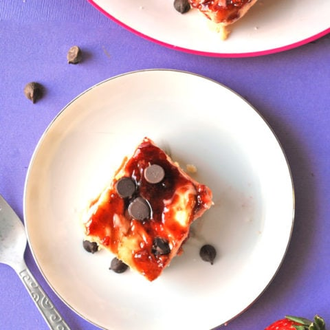 Balsamic Strawberry Cheesecake Bars with Shortbread Base