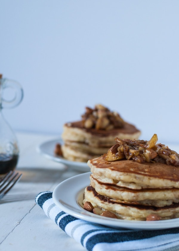Fluffy apple pie pancakes | @cookiedesire