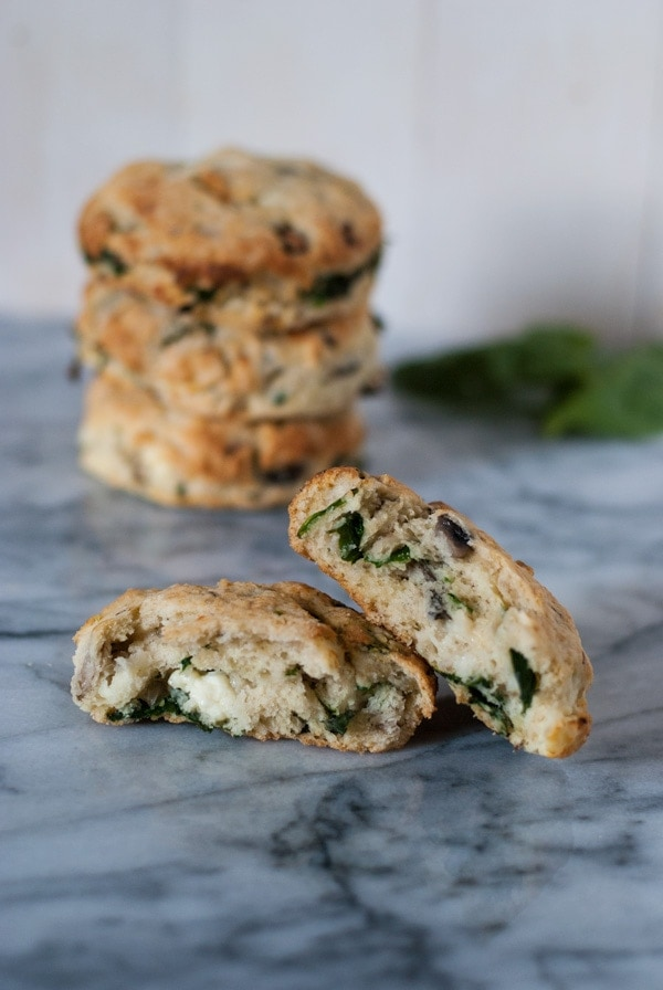 Savory Breakfast Scones | @cookiedesire