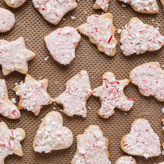 Soft cinnamon sugar cut out cookies with white chocolate and peppermint - perfect for Christmas!