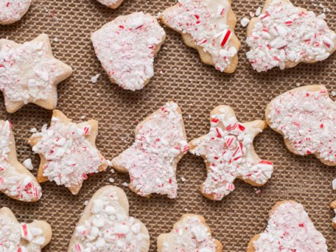 Christmas Cut Out Cookies.Soft Cinnamon Cut Out Cookies With White Chocolate Peppermint