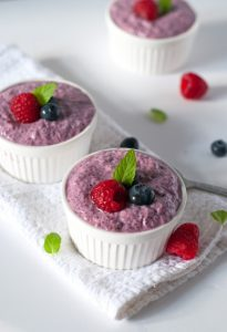 Vegan vanilla berry pudding