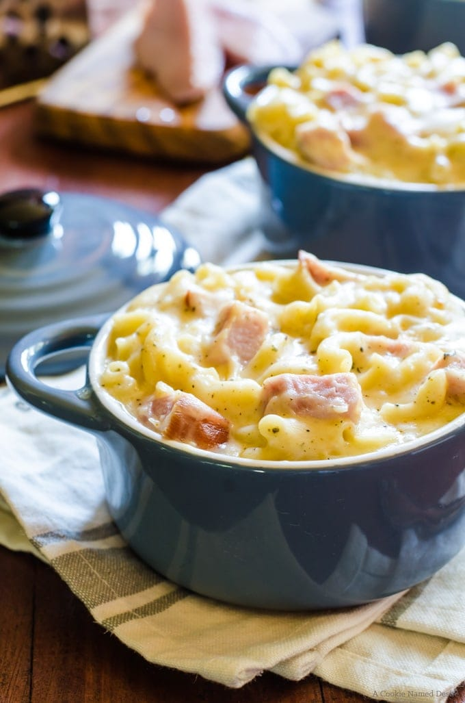 Spicy mac and cheese with smokehouse ham