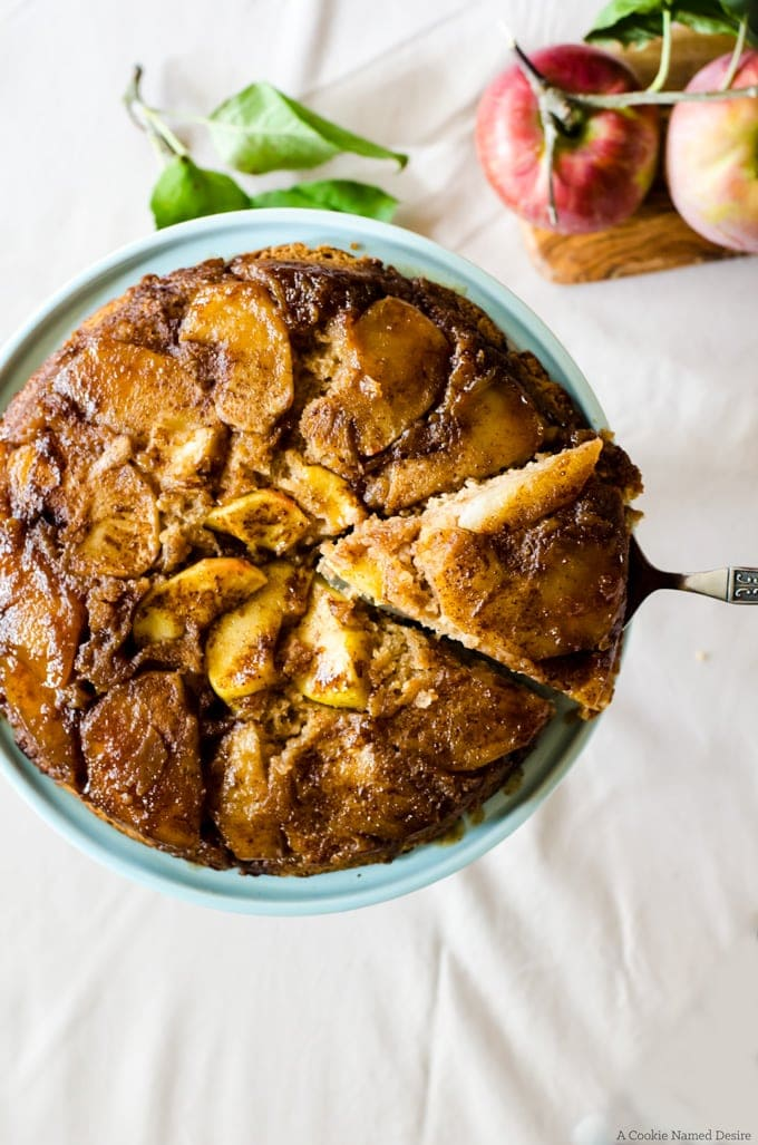 This is my favorite caramel apple upside down cake. I love to make this cake everytime we go apple picking. Guaranteed to become your favorite simple cake!