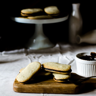 Copycat Milano cookie recipe... these are so easy to make and more tasty than the store sought kind