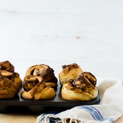 Melt in your mouth brioche rolls. These buttery rolls are packed with orange flavor and have a gooey chocolate orange filling. Why eat anything else for breakfast?