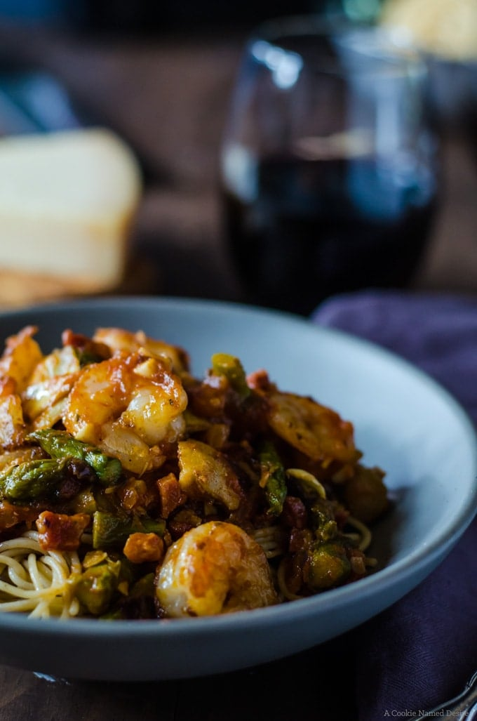 Shrimp and pancetta spaghetti with asparagus and artichoke - the perfect Italian family night dinner