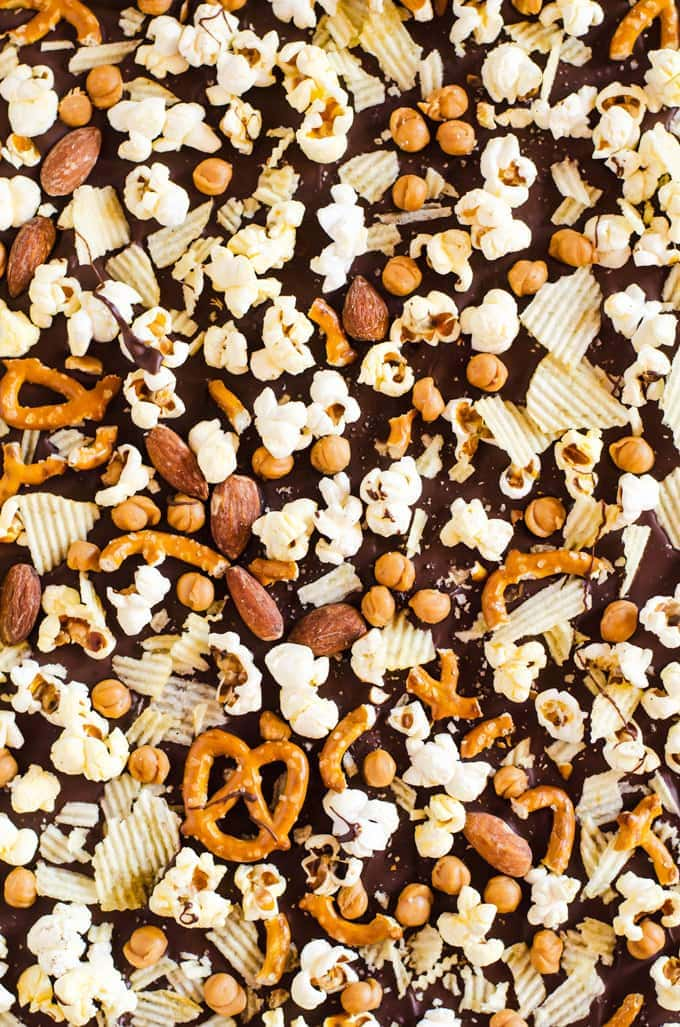 Got the munchies? Then you need to make some munchy bark! This is the perfect sweet and salty snack for whenever the muncies strike.
