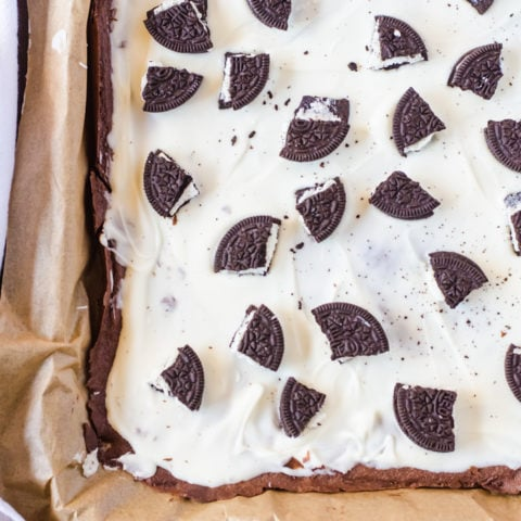 Cookies and cream brownie brittle bark... crisp brownie brittle topped with a cookies and cream bark