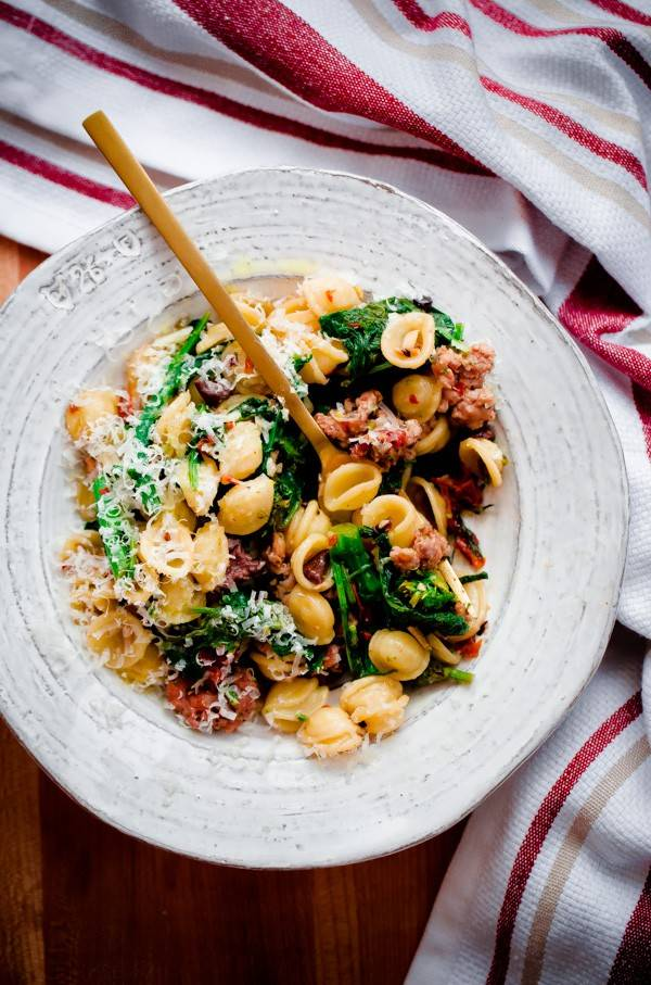 orecchiette-with-spicy-sausage-broccoli-rabe-sundried-tomatoes-and-olives-1-3-600x907