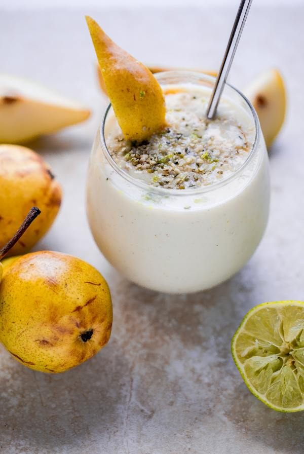 pear-smoothie-with-vanilla-honey-and-lime-1-11