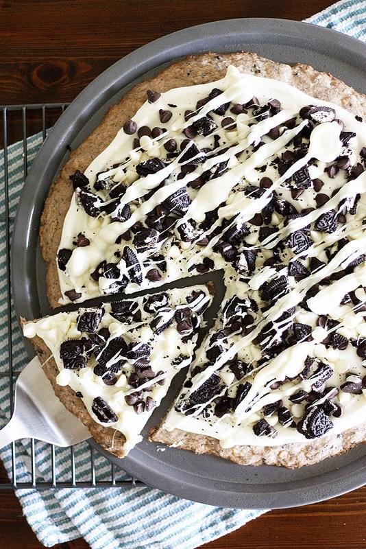 http://www.girlversusdough.com/2013/10/07/cookies-creme-dessert-pizza/