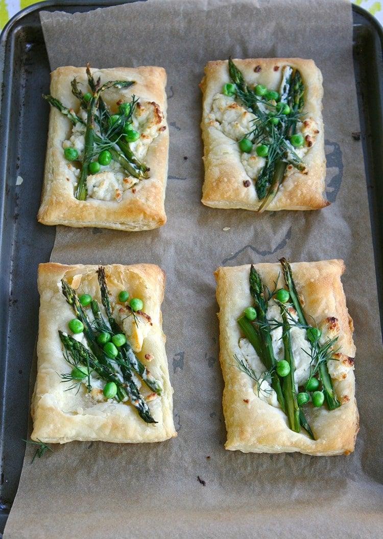 Spring-Veggie-Pizzas-4