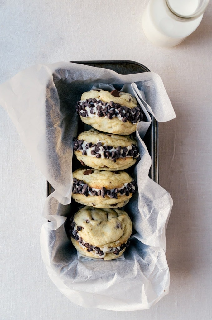 cannoli cookie sandwiches