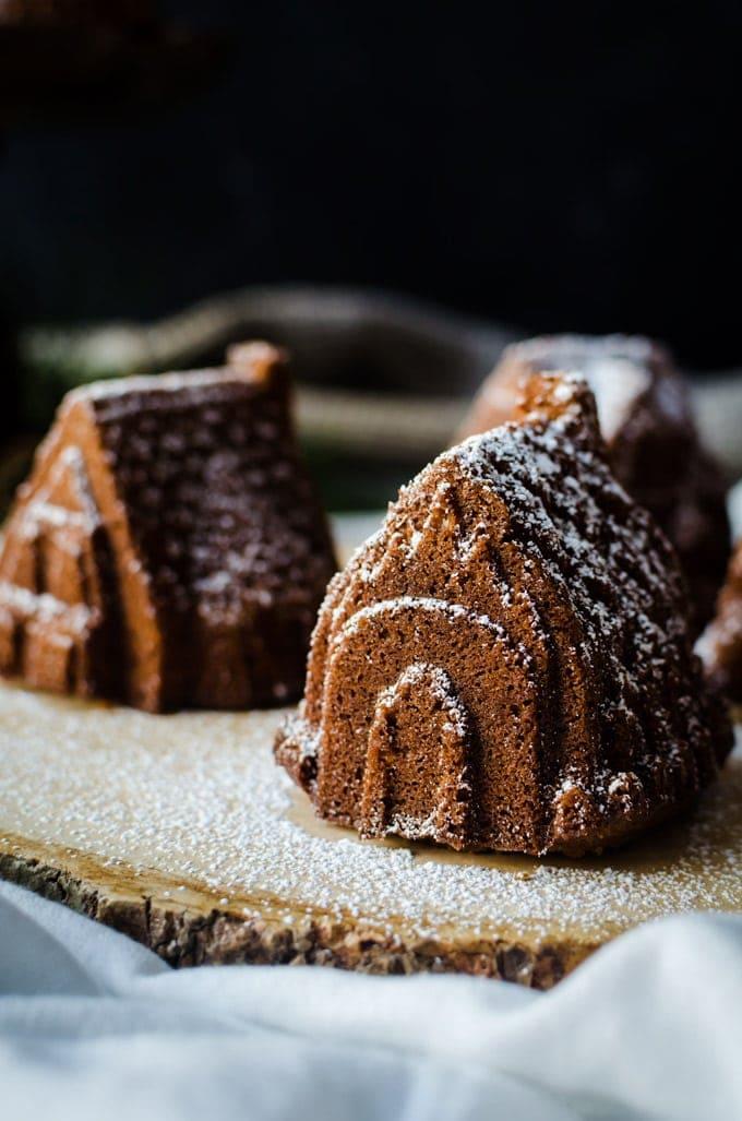 close up gingebread bundt cake