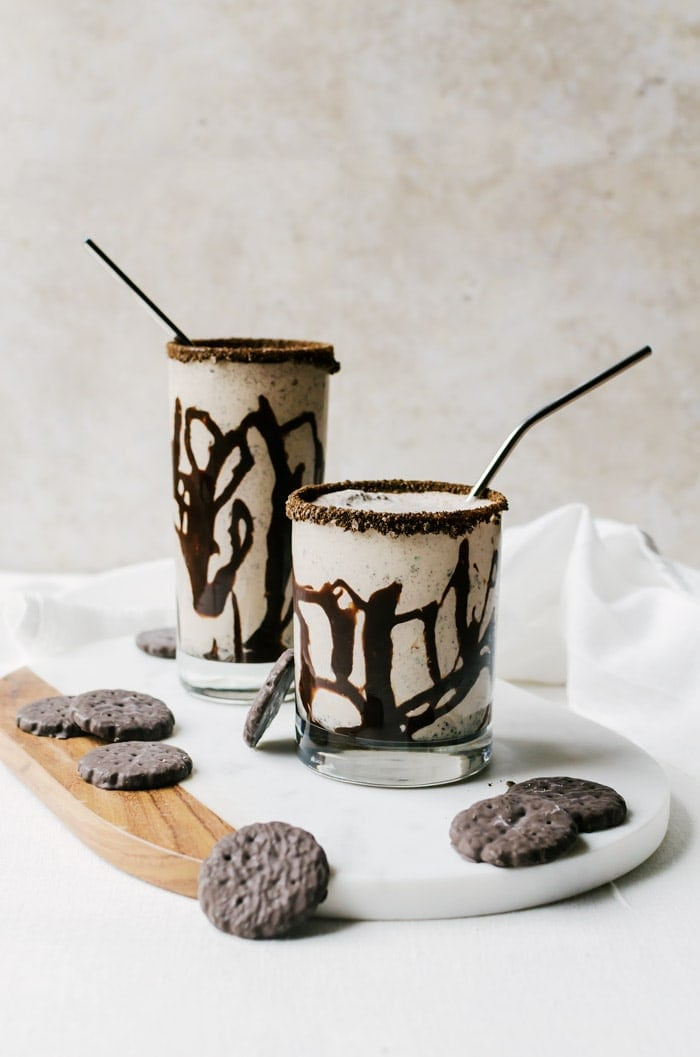 There isn't anything better than this thin mint milkshake. This chocolate minty treat will be the epitome of your day.