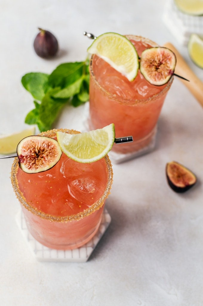 Relax and refresh yourself with a fresh fig cocktail