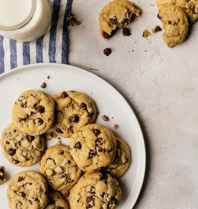There is nothing like a orange and chocolate together which is why these orange chocolate chip cookies are so incredible
