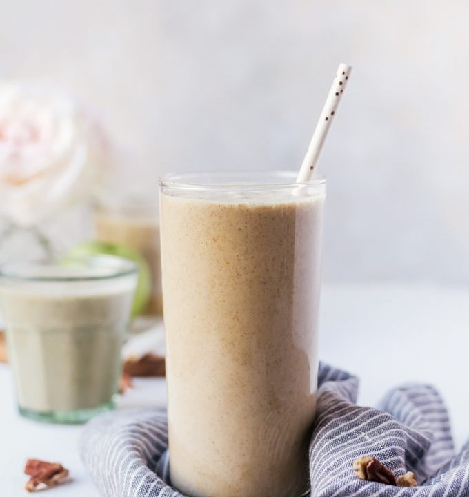 There is nothing like an apple pie smoothie to make your day better. Tastes just like a pie minus the guilt