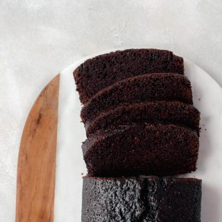 This simple chocolate loaf cake is the perfect excuse to have chocolate for breakfast