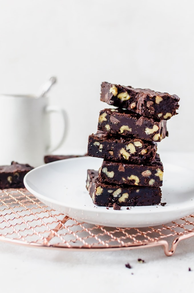 Fudgy coffee brownies studded with walnut... the last brownie recipe you will ever need #brownies #coffee