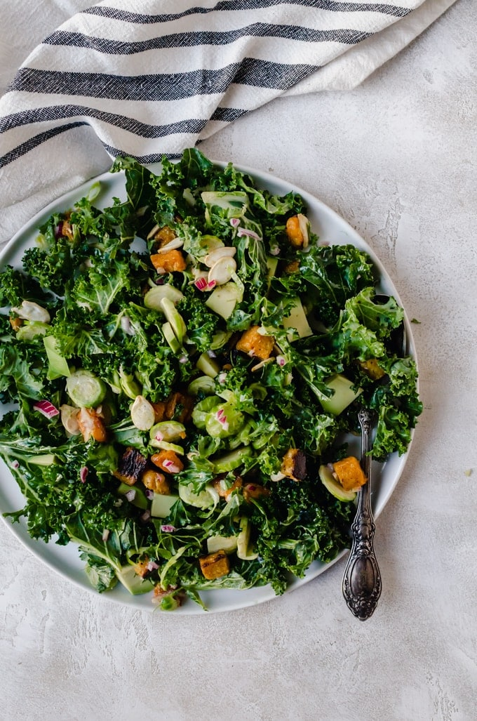 Finally a salad you can eat over and over again. This butternut squash kale salad will be a new fav