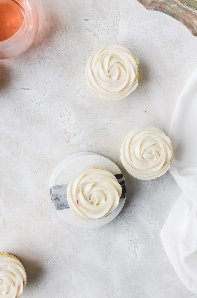Strawberry rose cupcales