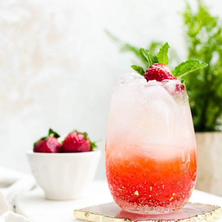 hero image strawberry champagne mojito