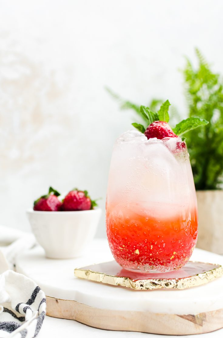 A light and bubbly strawberry champagne mojito #champagne #cocktail