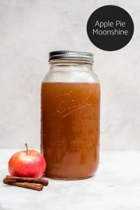 apple pie moonshine logo