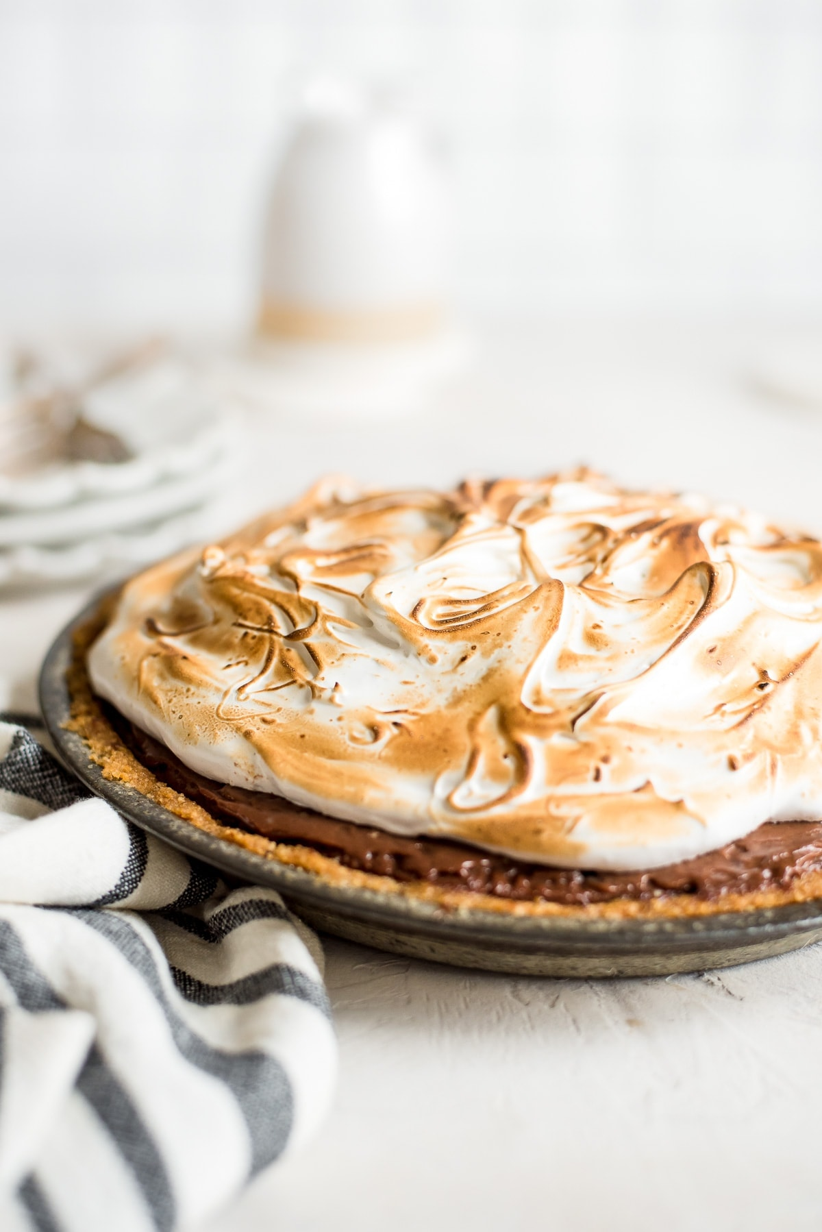 whole smores pie in pie pan close up