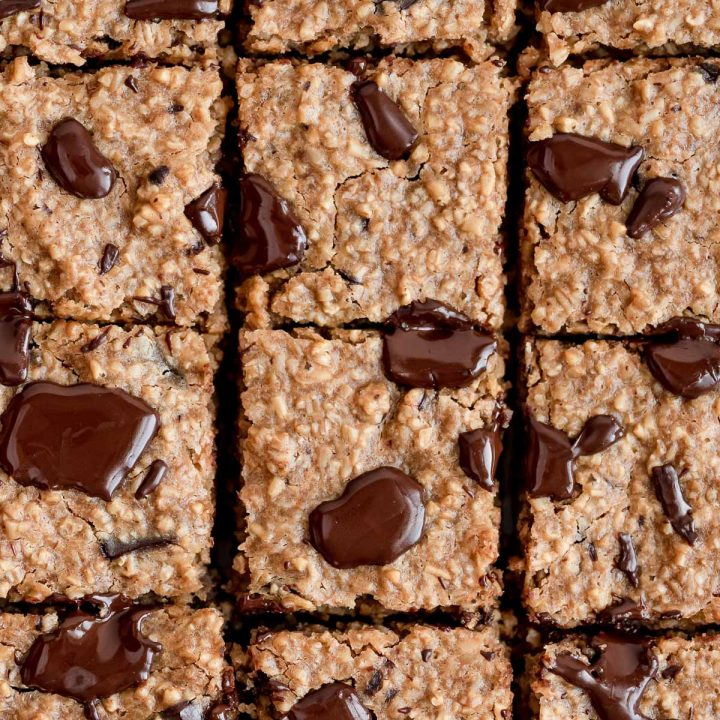 close up baked oatmeal bars