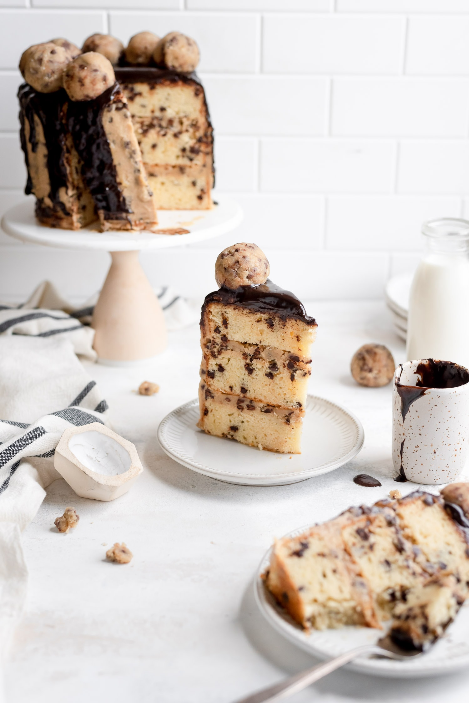 cake on plates by cake stand
