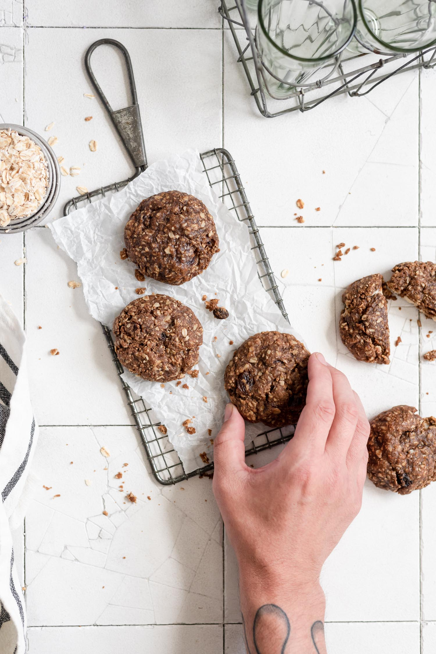 Chai Oatmeal Cookies with Apple Cider Cream Cheese